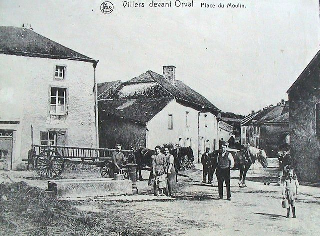 villers-devant-orval-place-du-moulin-01